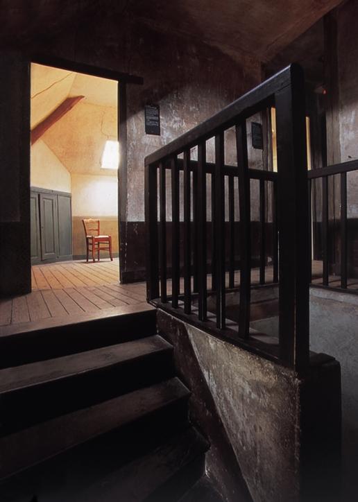 AubergeRavoux-023-Chambre Van Gogh Ht def.@Joe Cornish
