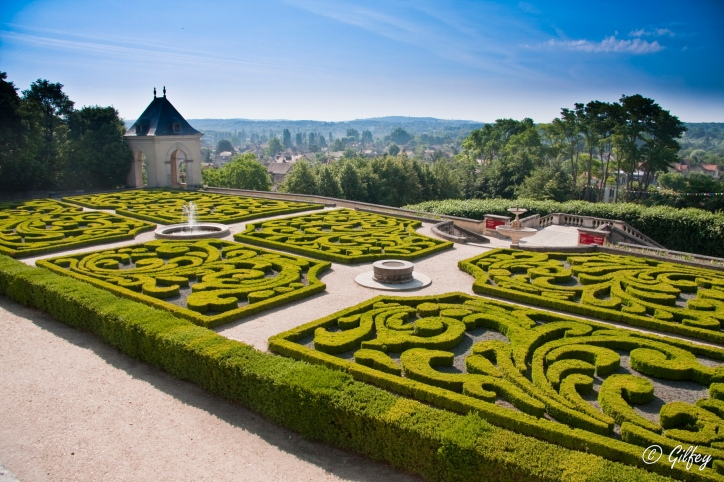 ChateauAuvers-Jardins Francaise©G.FEY