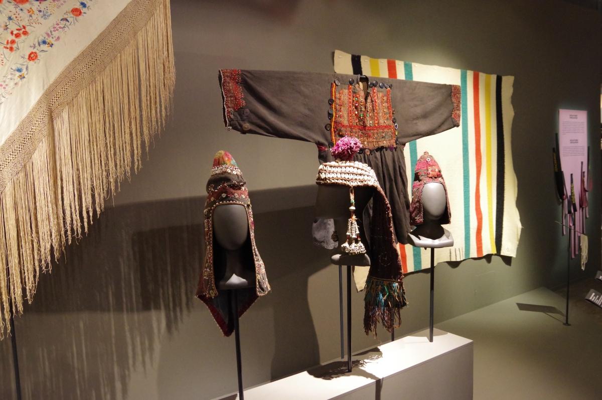 Déviations à  Clermont-Ferrand... le textile comme message social ou politique