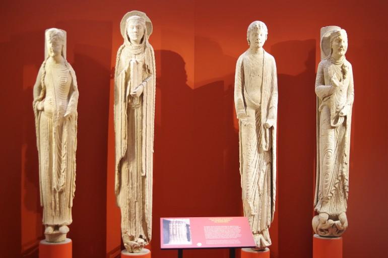 Statues colonnes Notre Dame de Chartres_1enviedailleurs.com